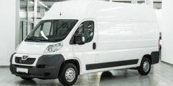 Трансфер из аэропорта на грузовом микроавтобусе Пежо Боксер