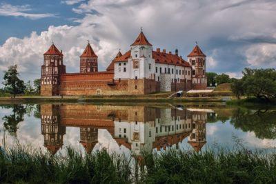 Экскурсия в Мирский замок из Минска